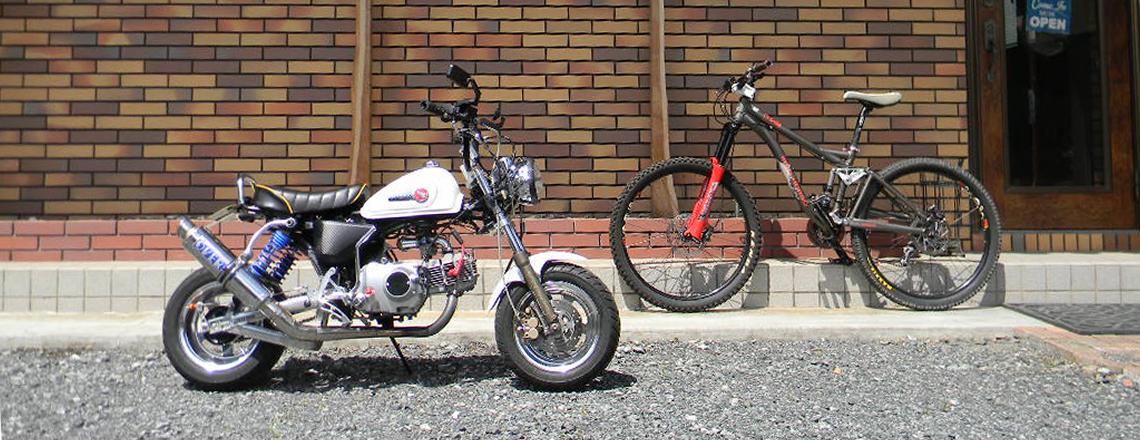 趣味のバイクと駐車場